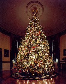 """MERRY CHRISTMAS FROM PRESIDENT REAGAN: """"We Should Learn to Care for One Another"""""""